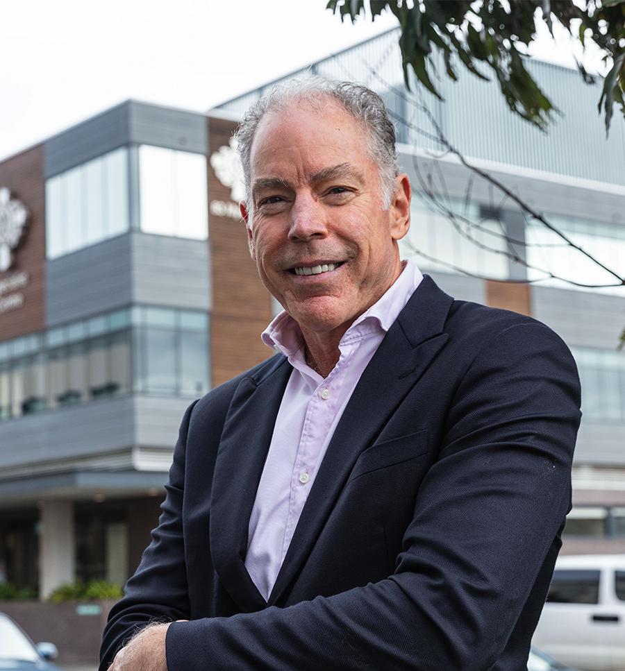 Dr Graeme Brown